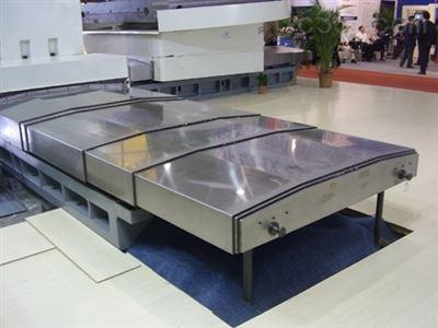 廠家定製導軌式鋼板伸縮防護罩報價