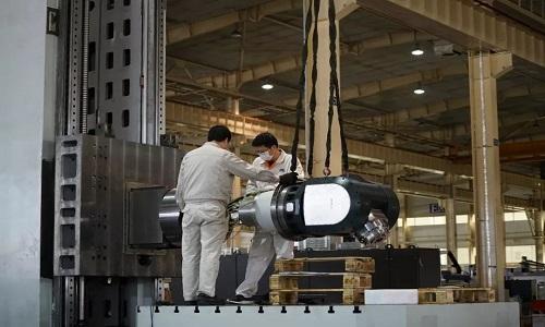 沈机复工复产赶制订单和展会高端设备