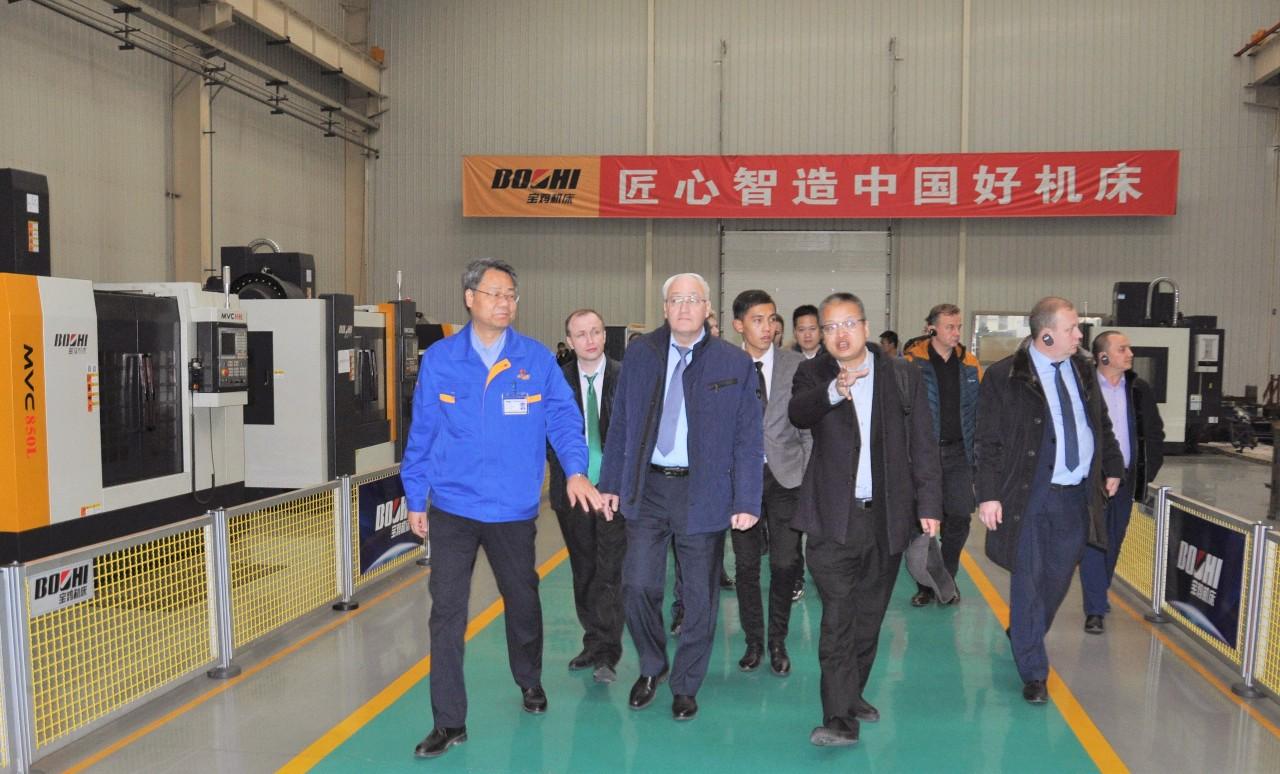 俄罗斯奔萨州政府主席一行到访宝鸡机床集团