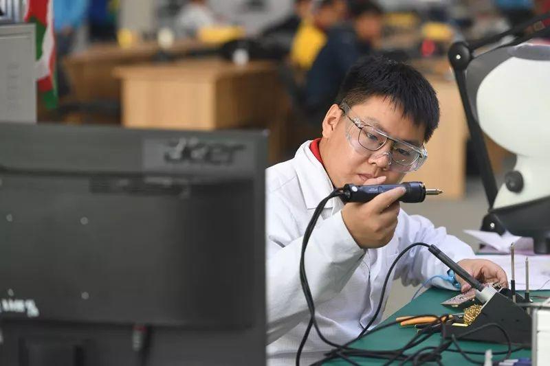 技高行天下 能强走世界——重庆市2019年职业能力建设工作综述